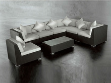 Modern poly rattan coffee chairs and tables outdoor rattan furniture table with tempered glass