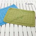 Alfombra de baño jacquard con lunares ,100% algodón
