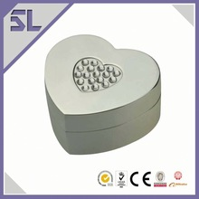 Embossed Heart Shape Ring Metal Box Decorative Jewelry Box
