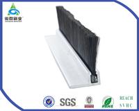 M518 Heat insulation sweeping strip seals use for door
