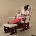 antico confortevole middel East aliante sedia di legno con la quercia poggiapiedi