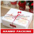 noël boîte cadeau en carton rouge avec noeud de ruban
