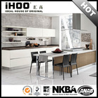 AK2524 Moderne meubles cuisine design with bar counter in China