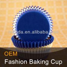 Greaseproof dark blue baking cups