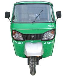 new Bajaj Tricycle With new head lamps, Bajaj Three wheel motorcycle, Bajaj Taxi Tricycle,Bajaj Moto Taxi