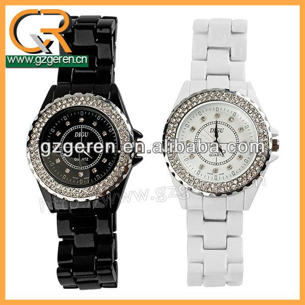 ผลิตภัณฑ์ขายดีของเซรามิกเจาะแฟชั่นนาฬิกาข้อมือสำหรับคนรักคู่
