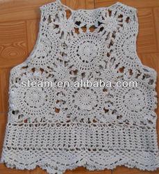 Crocheting hand made plain color vest