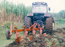 EU AID !five-furrow Steel bottom plow popular among South Africa