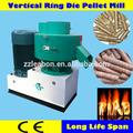 Astillas de madera y campos de residuos de biomasa combustible pellet que hace la máquina de prensa, madera de combustible de pellets que hace el equipo con las aplicaciones de ancho