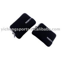 black neoprene waterproof camera pouch