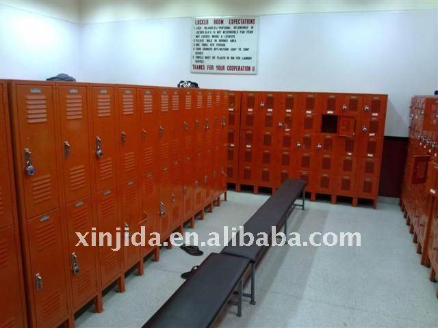 Air hole changing room locker