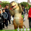 Lindo disfraz de dinosaurio mascota