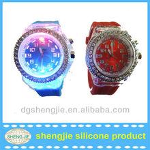 2013 fashion flashing silicone led light up watches with plastic stones on bezel