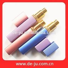 Promotion outils cosmétiques parfum pulvérisateur outils de forme bouteille de parfum