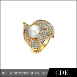 R0039 18k gold plated wedding ring with shell pearl