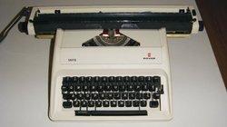 """18"""" manual typewriter"""