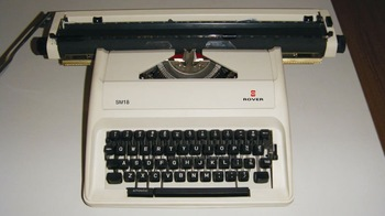 "18"" manual typewriter"