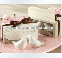 """Love Birds in the Window"" Hot Sale Ceramic Salt & Pepper Shakers Wedding Favors"