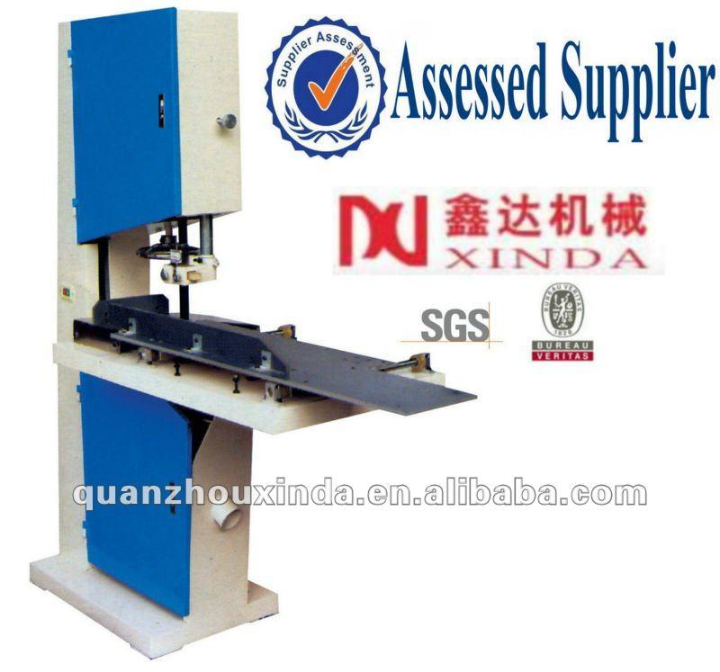 Registro de sierra corte de papel higiénico de la máquina