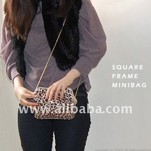EVA SQUARE FRAME MINIBAG/ Gold Chains Clutch Bag Leopard Baby Pink