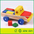 Brinquedo de madeira do caminhão& blocos