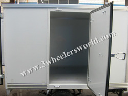 KW200ZH-3 Closed Box Cabin Tricycle/Three Wheel motorcycle/ice cream tricycle freezer