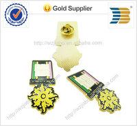 2015 years high quality custom design different shape gold plating metal skull badge emblem