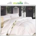 o luxuoso hotel fornecimento de verão ou inverno usando colcha de algodão