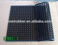 Anti slip rubber door mat with holes