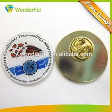 2014Wholesales Fashion Decoration Custom Souvenir Football Pin Badges