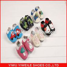 whoelsale 2014 moda suela suave lindo patrón de cuero zapatos de bebé