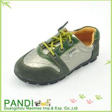Caliente venta de la fábrica de los muchachos de género zapatos baratos de los deportes
