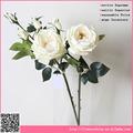 Hermosa flor color de rosa, arreglo de flores artificiales