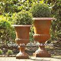 Clásico de hierro fundido francés pote de flor, las urnas jardín