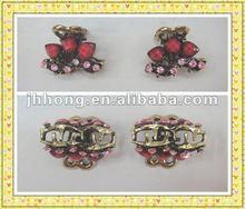 Red three heart with rhinestone Mini hair claw