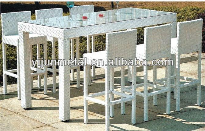Tabourets de bar et table de bar pour jardin outils de - Salon de jardin table haute ...
