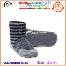 Venta al por mayor barato de bebé de los calcetines