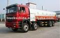 shacman 8x4 beber a água do tanque do caminhão 30m3