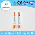 seringa de insulina descartável com tampa laranja
