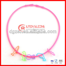 2012 new design girls hot selling silicone necklace