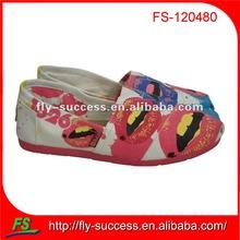 2014 venta caliente pintado a mano los zapatos de lona para la niña, zapatos de lona estilo de las niñas