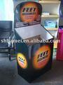 Caixa de papel tipo suco de laranja fresco mostrando stand/exposição de assoalho