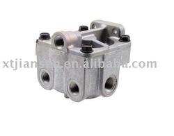 R-5 Relay valve MID KN28060, BENDIX NO. 229467,