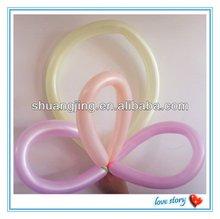 Balloon modeling- long magic balloon
