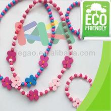 Cute wooden necklace&bracelet for party