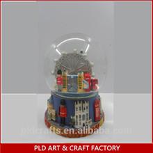 custom 3D polyresin snow globe with city figure