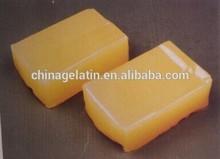 Pressure sensitive hot melt glue for paper, cloth, plastic material