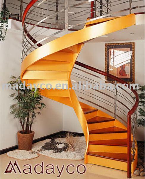 Madeira em espiral de aço escadas