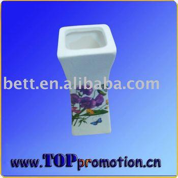 Ceramics, Porcelains and Vases