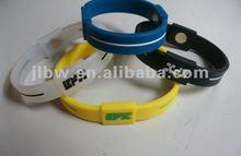 cheap silicon wristband embossed logo thin silicon bracelet